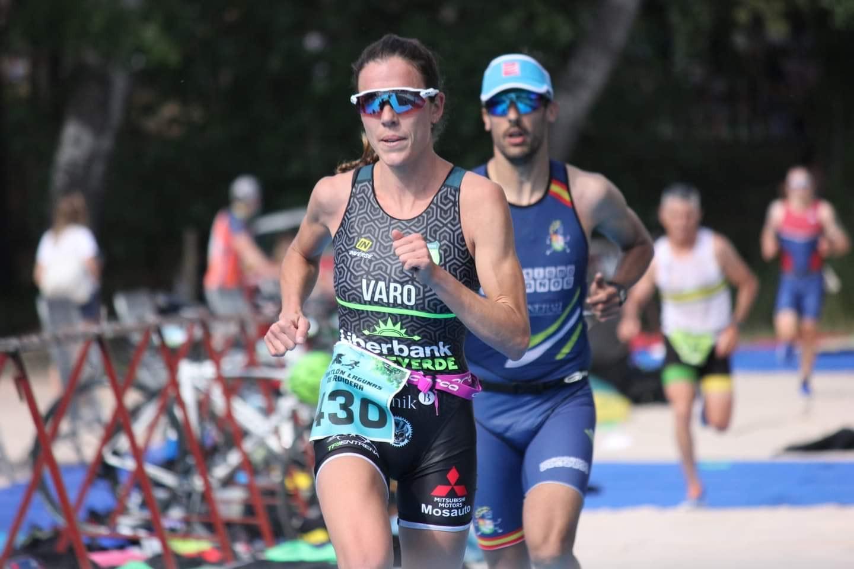 María Varo e Ignacio Cabrera vencieron en el I Triatlón Lagunas de Ruidera